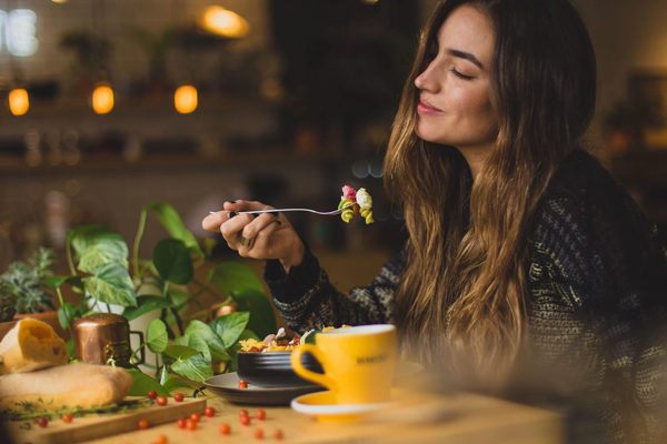 Balance Your Mood With Food: How Good Nutrition Supports Mental Health